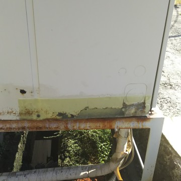 業務用エアコン室外機の錆補修2